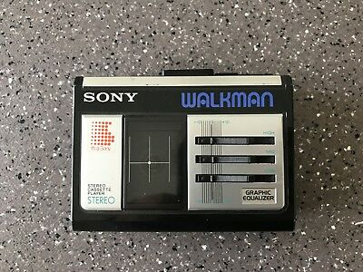 Sony Walkman WM-33 Vintage Cassette Player Made in Japan (Pour Pieces)