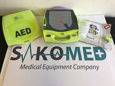 ZOLL AED Plus / NEW Battery and NEW Adult Stat Pads II