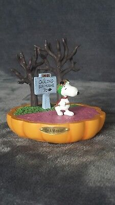 """Hawthorne Village Peanuts Charlie Brown """"On A Mission"""" It's the Great Pumpkin"""
