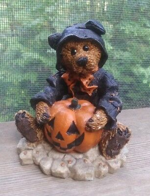 """Boyds Bears Halloween Figurine Style #2005 """"...boo!"""" """"The Bear In The Cat Suit"""""""