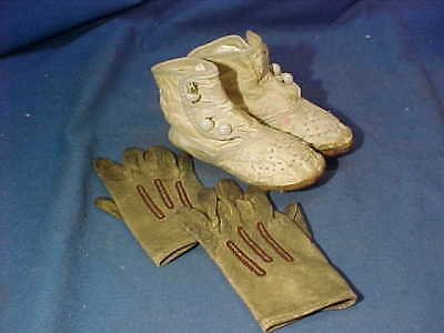 19thc VICTORIAN Era WHITE LEATHER High Button GIRLS SHOES w Leather GLOVES