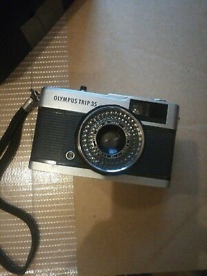 Olympus Trip 35mm Camera with box and case
