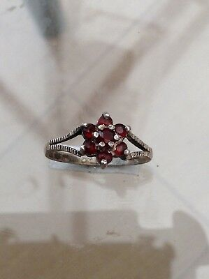 Silver Old Garnet Cluster Ring Dainty Fabulous (O)