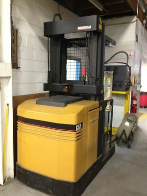 Caterpillar NOR30P 3,000 LBS. Electric Order Picker