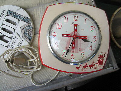 Vintage SESSIONS Wooden Dutch Girl WINDMILL Motion KITCHEN Wall CLOCK Red