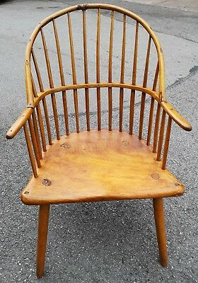 Very Beautiful Old Windsor Chair - Stunning Design - Very Rare L@@k