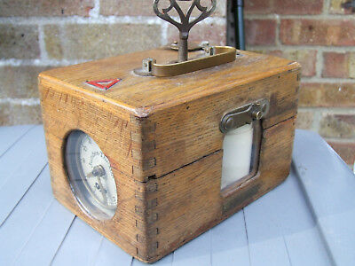 VINTAGE JUNDES-THEXOR RACING PIGEON CLOCK IN NICE OAK CASE complete not tested