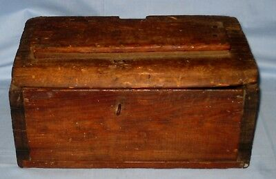 Old Antique VTG Primitive Barn find Rustic Decor Wood Box W/Hinges Unusual!
