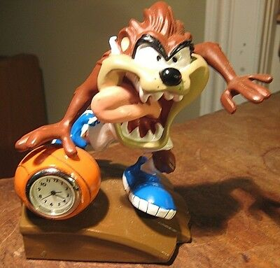 1999 Official Warner Bros. Looney Tunes Taz Tasmanian Devil Clock Basketball