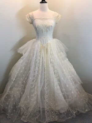 vintage wedding dress 1950's