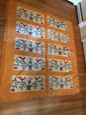 Antique Quilt With Birds Of Peace Pattern