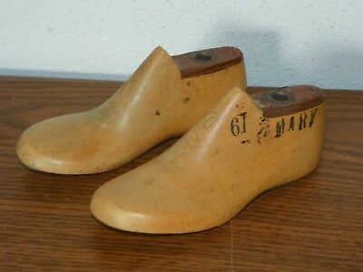 Pair Vintage Wood Child's Size 6 D Shoe Factory Industrial Mold Last Forms Mary