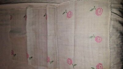 1 HM crocheted perimeter linen floral embroidered center scarf runner 16 x 54