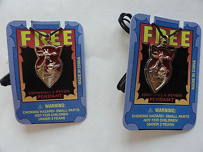 Quest For Camelot Promo Pendant Devon & Corwall (2 Lot) 1993 New On Card