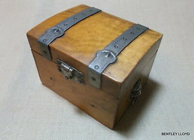 MINIATURE (TRAVEL TRUNK) CHEST with FINE DETAIL