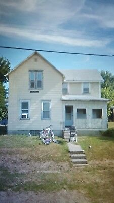 large lot / fixer upper house clean title and up to date on taxes