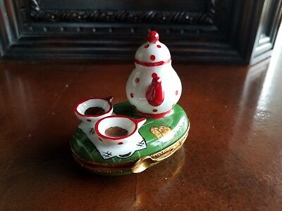 Red Tea Pot and Tea Cups Limoges Trinket Box Peint Main France Rochard Artoria