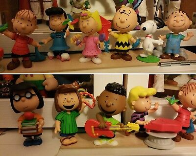 peanuts just play snoopy charlie brown linus no schleich