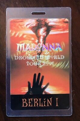 Madonna Drowned World Tour 2001 berlin 1 Backstage Pass Perri