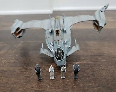 Final Fantasy The Spirits Within Spaceship USMF0722 with 4 figures Bandai 2001