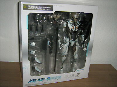 PLAY ARTS Action Figure * KAI Raiden White Armor * Metal Gear Rising Revengeance