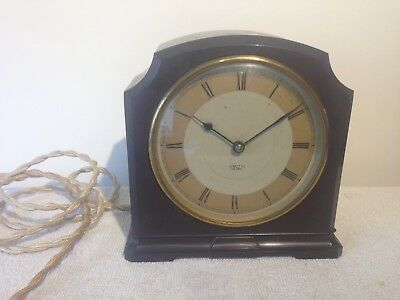 Smiths Vintage Bakelite mantle clock.