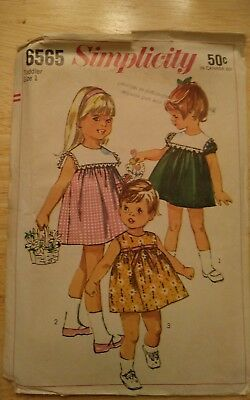 Vintage 1960s Simplicity 6565 Sewing Pattern Toddler Size 1  cut