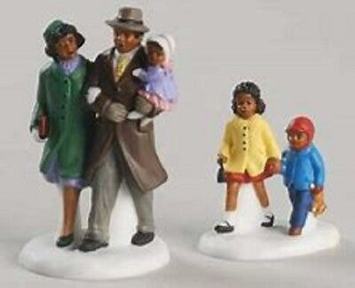 Dept 56 Christmas In The City Family Out For A Walk Set of 2 Brand New
