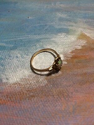 Vintage 14K Solid Yellow Gold and Natural Opal Stone Ring