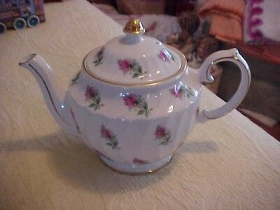 TEAPOT w/  RED ROSES, WINDSOR ENGLAND