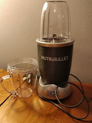 Nutribullet 600 series blender. Excellent condition, comes with instructions