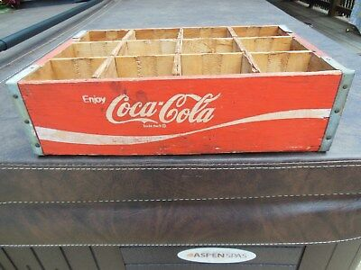 Coca-Cola Red Wooden Soda Crate 12 Bottle Dividers
