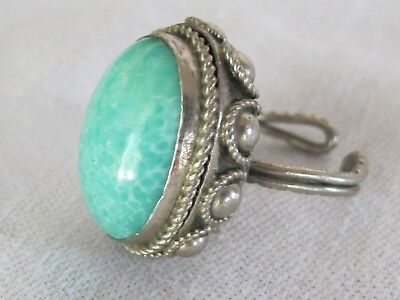 F10 Vintage 1950's Silver Tone Robin's Egg Blue Cabochon Adjustable Ring