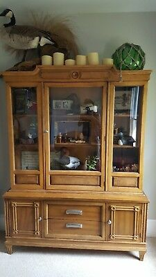 American Of Martinsville 2 Piece Display Hutch - 20th Century - Great lines