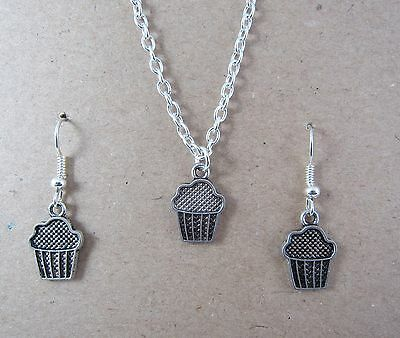 Girls Silver Plated Cupcake Earrings & Necklace Set New in Gift Bag