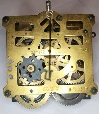 Regula 34/1/72 8 day Cuckoo Clock Movement Antique some wear repair parts CM1190