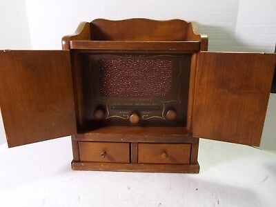GUILD AM Radio model 484 The Spice Chest Radio Wood Cabinet with 2 Drawers