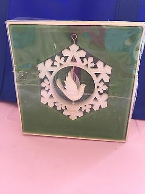 Vintage 1978 Twirling white dove Tree Trimmer ornament from Hallmark
