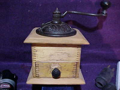 Vintage Wood Cast Iron Hand Crank Coffee Grinder Country Store Wooden Box NICE