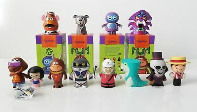 NEW DISNEY Park Starz Series 4 Vinylmation Complete Set Of 12 Includes Chaser