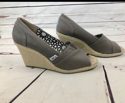 66f2adb9751 Toms Womens Wedge Shoes Size 6.5 Gray Canvas Shoes 3