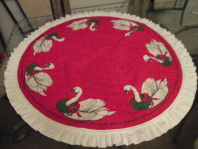 VINTAGE Red Quilted Christmas Tree Skirt Swan Wreath Holiday Decor White Trim
