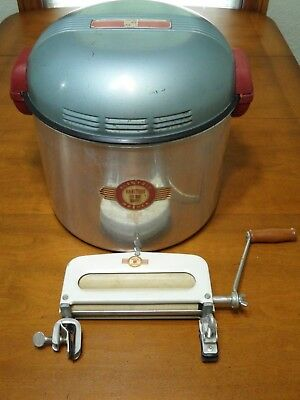 Vintage HandyHot Portable Washer Electric Chicago Wash Wringer Agitates WORKING