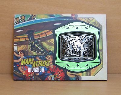 2013 Topps Mars Attacks Invasion MM-11 Medallion card Crushed to Death