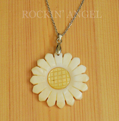 Natural Abalone Shell Mother of Pearl Daisy Flower Pendant Necklace Ladies Gift