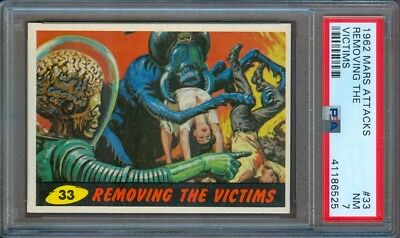 1962 Mars Attacks #33 Removing The Victims Psa 7