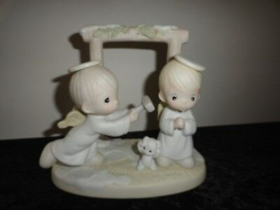 Vintage Precious Moments 1992 Ring Those Christmas Bells Figurine - 525898