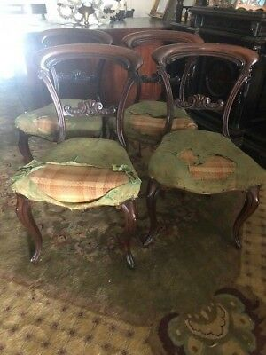 Superb Set of 4 Rosewood Antique Chairs on Cabriole Legs.
