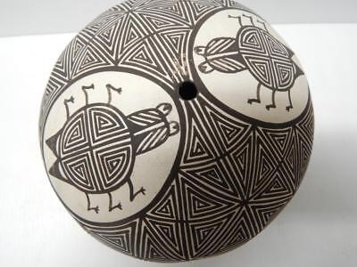 Xlarge Vintage Acoma Indian Pottery Seed Pot Signed Hand Coiled Fineline