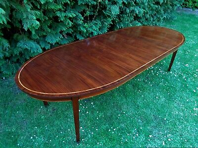 LARGE VINTAGE DINING TABLE 2 LEAVES EXTENDS TO 9ft 8in / ANTIQUE STYLE MAHOGANY